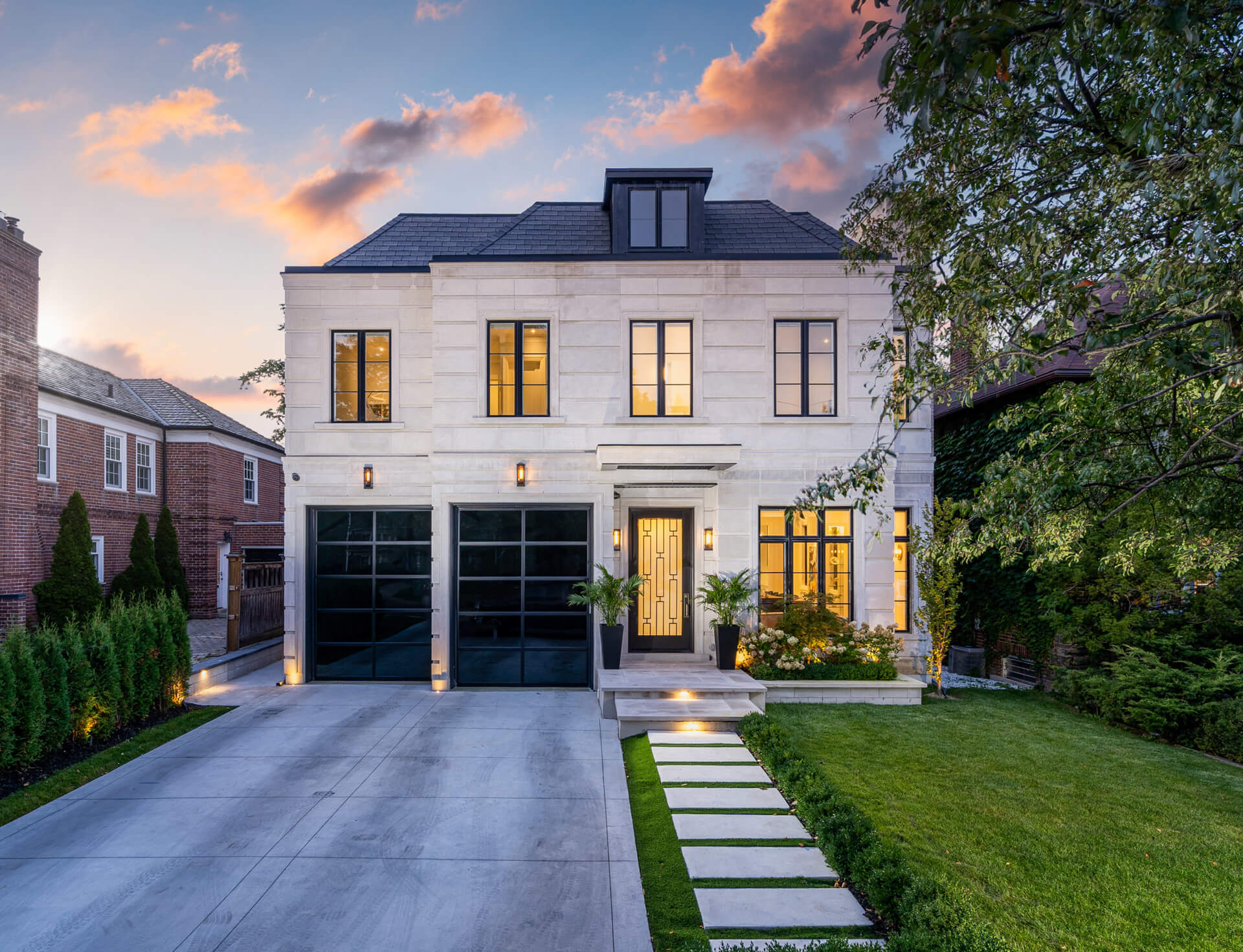 Luxury home on 234 Golfdale in Toronto