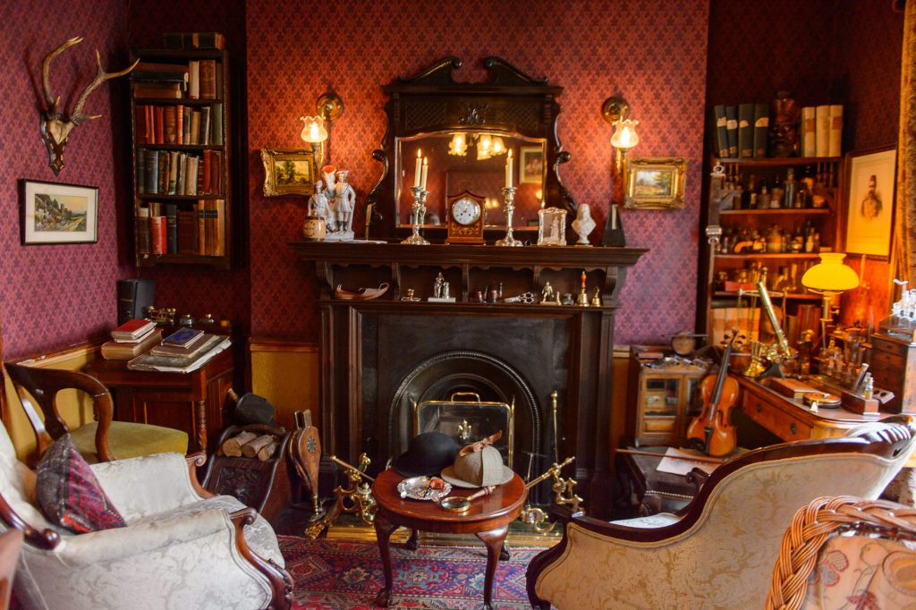 Main living room of the Sherlock Holmes Museum in London