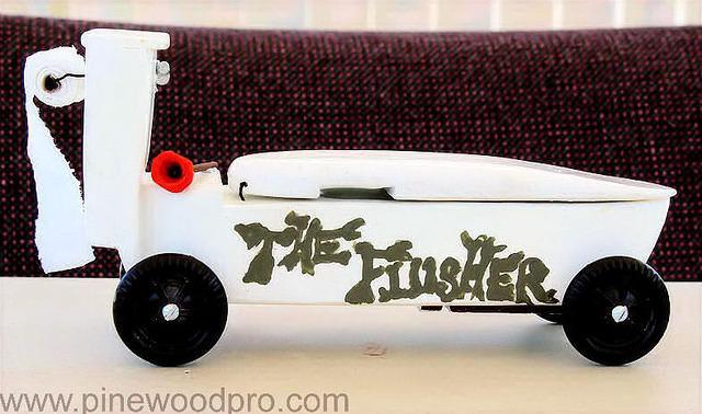pinewood-derby-car-photo-toilet-design-06