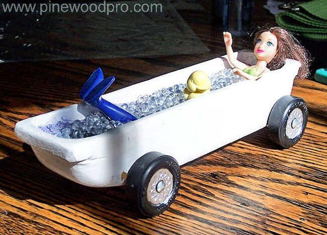 Pinewood Derby Mermaid in the Bathtub Car