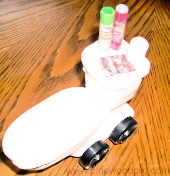 pinewood-derby-toilet-car-design-picture-08