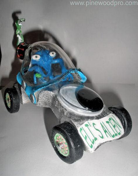 pinewood-derby-alien-car-design-photo-10