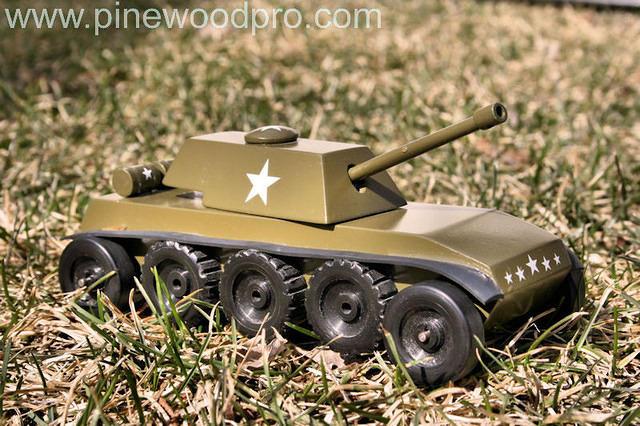 pinewood-derby-military-tank-car-design-photo-09