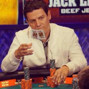 carlos-Mortensen-wsop-2013-kk-poker
