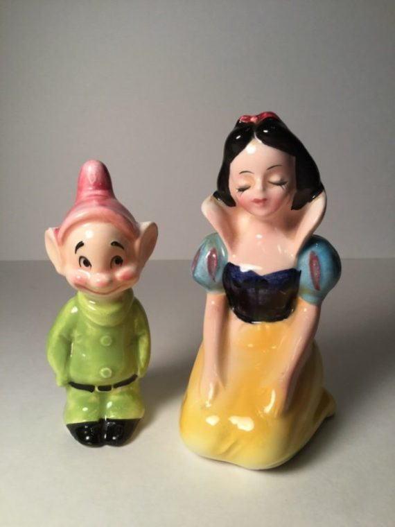 snow-white-and-dopey-salt-pepper-shakers-walt-disney-circa-1950s-matched