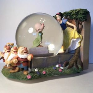 bourne-snow-white-heigh-ho-dopey-in-the-snow-globe-walt-disney-musical-box