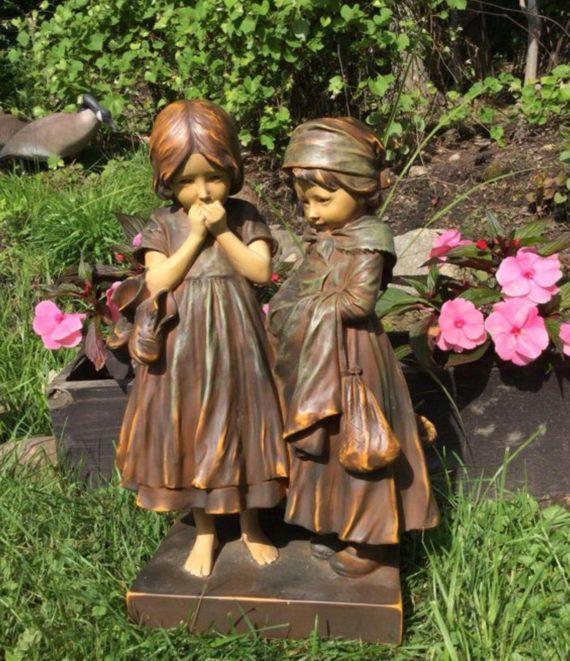 portobello-market-sisters-resin-garden-statue-lawn-ornament-planter-basket