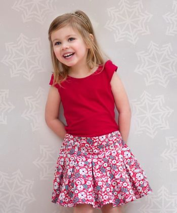 An absolutely fabulous childrens pleated skirt and semi-fitted top set with a whole bunch of options! The pattern is beginner-friendly and simply beautiful!