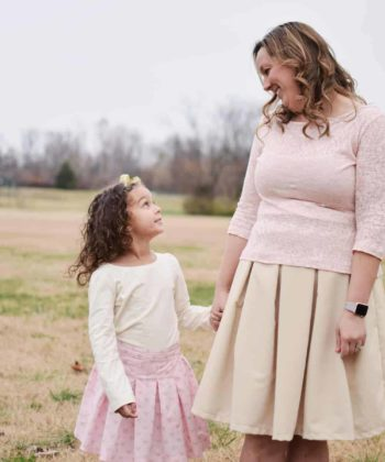An absolutely fabulous pleated skirt and semi-fitted top set with a whole bunch of options! The pattern is beginner-friendly and simply beautiful!