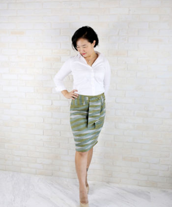 This womens pencil skirt sewing pattern gives you comfortable, flattering elegance, while its optional front bow detailing is a show stopper!
