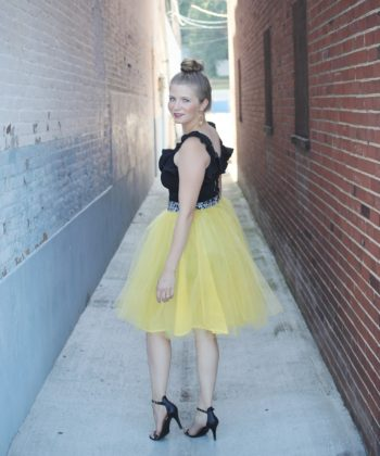 This twirly tulle skirt sewing pattern gorgeousness is full and fabulous and a perfect addition to any skirt-lovers' wardrobe!