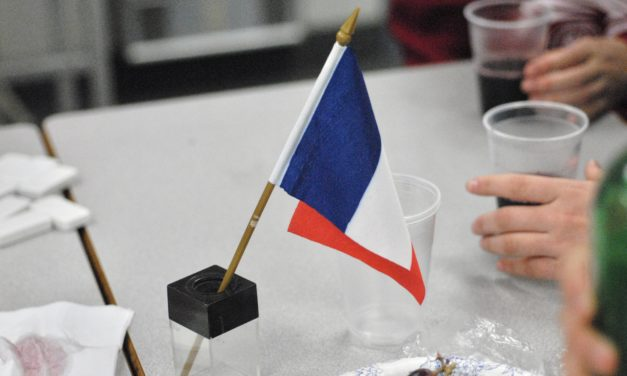 Club Feature: French Club Says Bonnes Fêtes