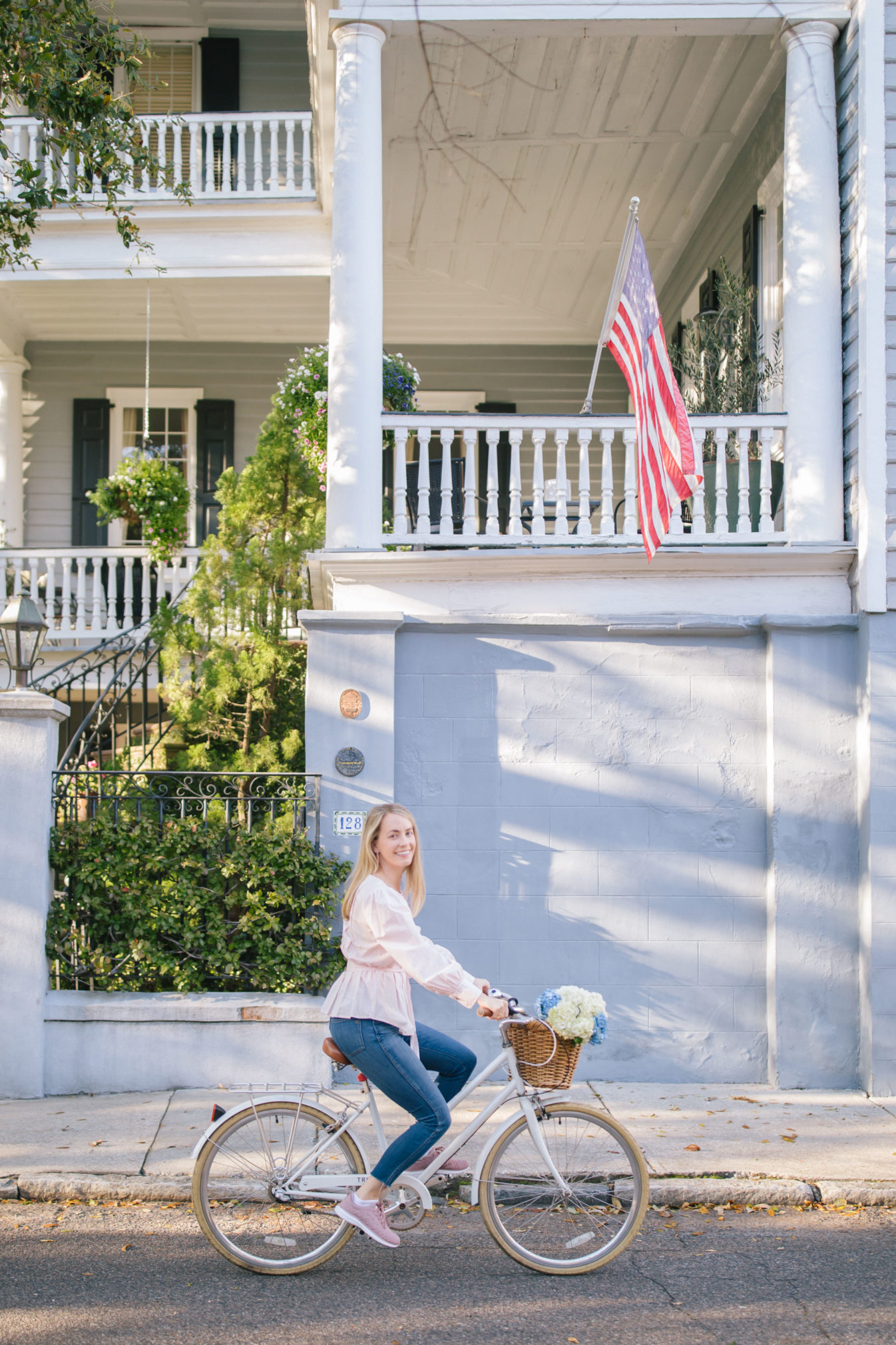 Biking in Charleston in the spring + Weekend Reads, No. 123 | Rhyme & Reason