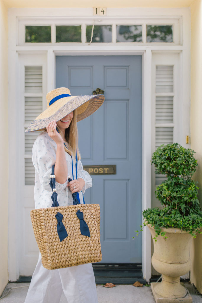 Blue and white outfit ideas to wear this summer | Rhyme & Reason