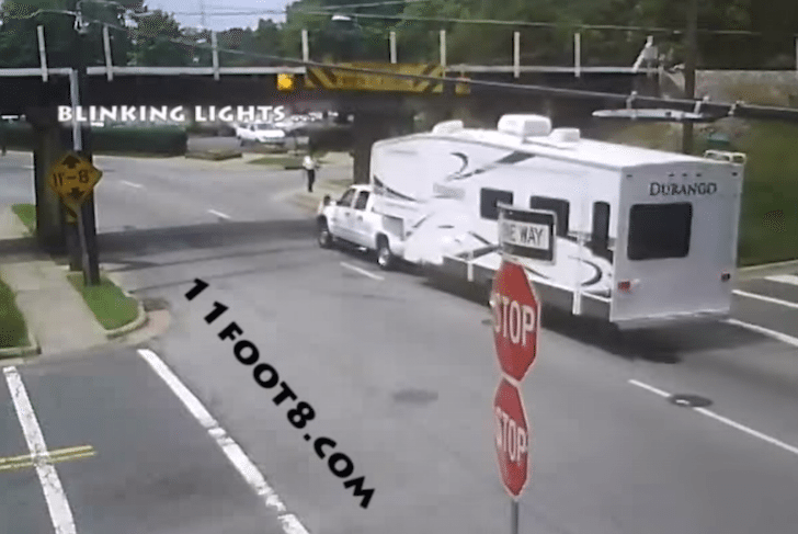 Beware Of Low Bridges Aka Fifth Wheel Owner Loses Ac Unit