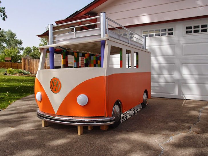 Awesome Dad Built His Daughter a Volkswagen Bus Bed from Scratch