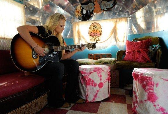 An Exclusive Look Inside Miranda Lambert S Airstream Trailer Rvshare Com