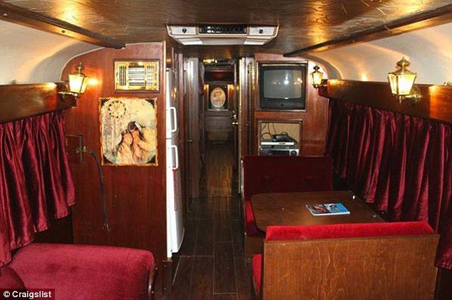 We Absolutely Love The Retro Feel That This Bus Gives Out! Share Willieu0027s  Awesome Tour Bus Above On Facebook!