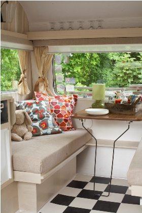 9 vintage caravan design tips to bring your unique style. Black Bedroom Furniture Sets. Home Design Ideas
