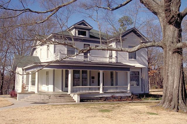 [img] Hemingway House