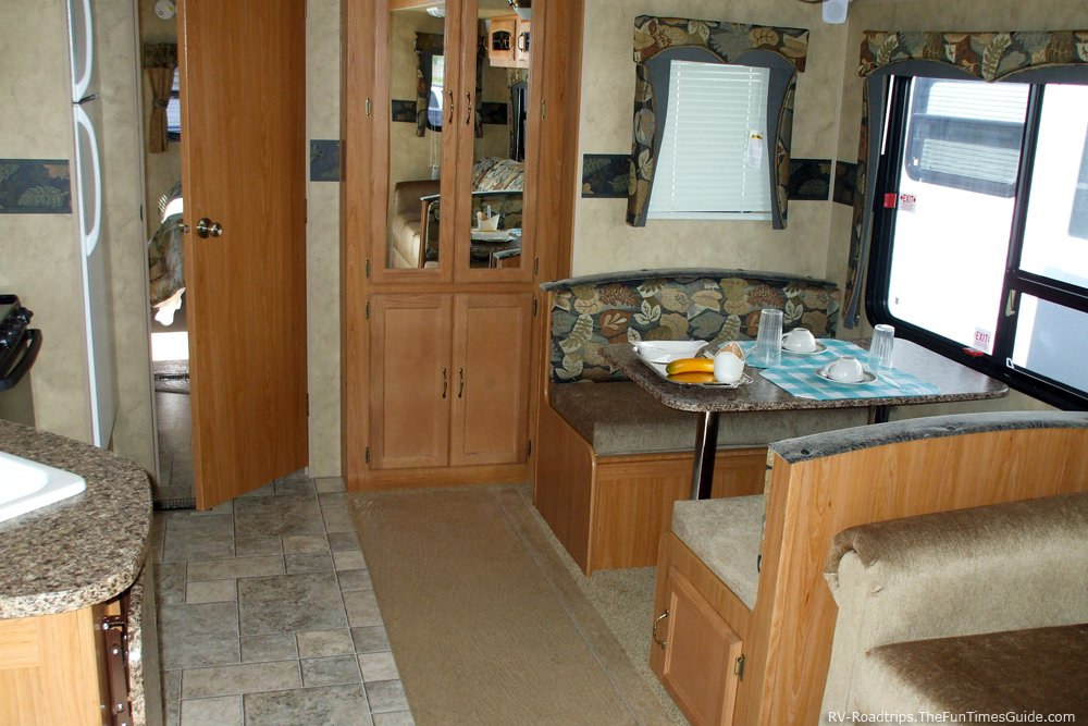 Rv Living Room Slide Out Open Rvshare Com