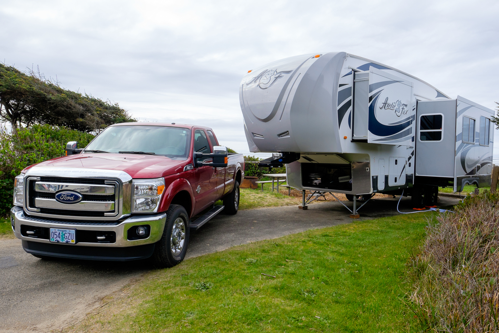 Attention Travel Trailer Owners: You CAN Tow your Vehicle for Renters! -  RVshare.com