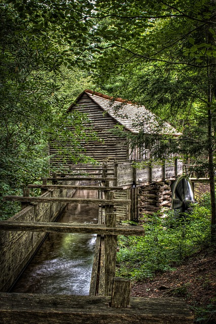 old wooden building Great Smoky Mountains