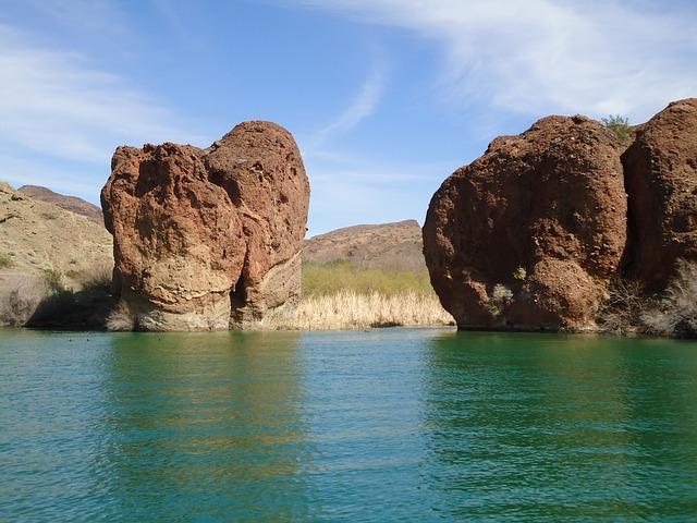 rocks and water at Lake Havasu