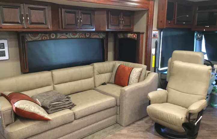 2017 Fleetwood Pace Arrow 38F LXE
