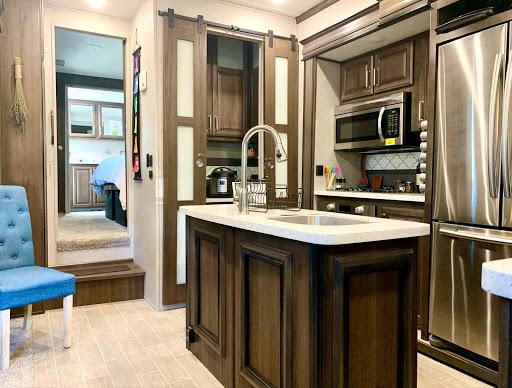 Fifth-wheel RV trailer kitchen