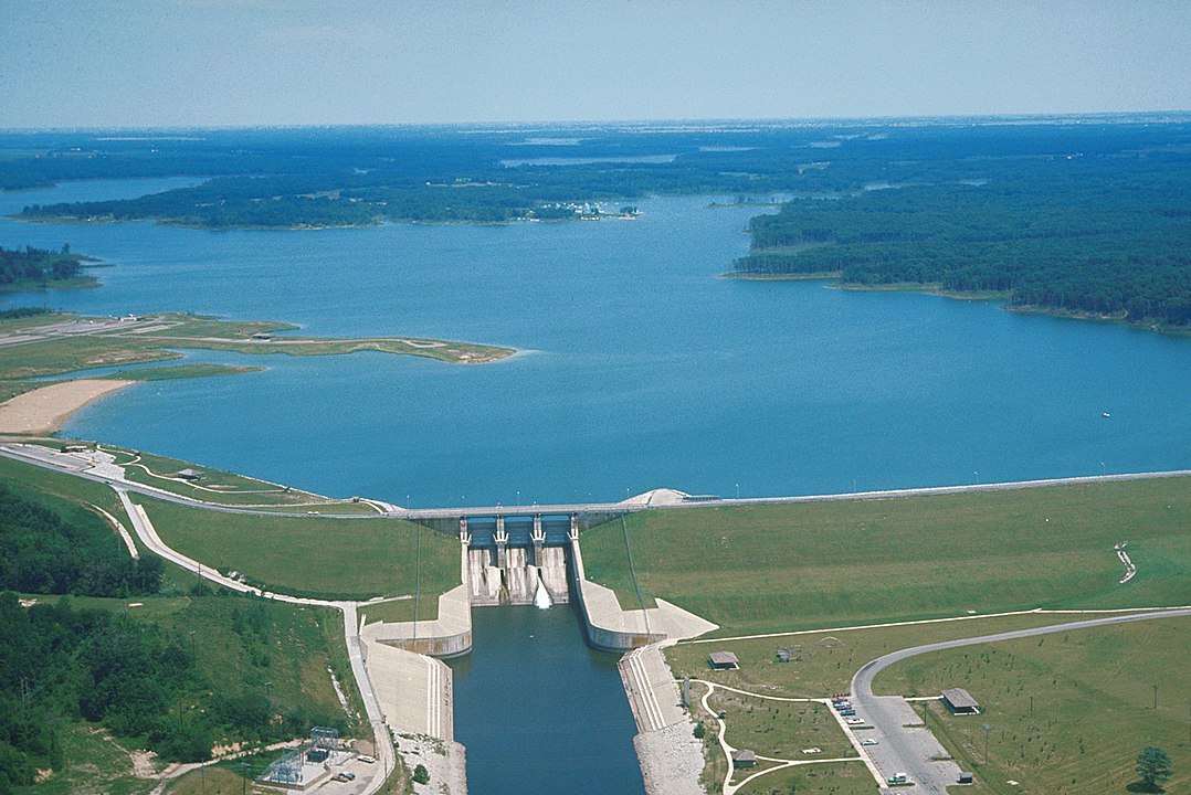 Shelbyville Lake and Dam on the Kaskaskia River — near Shelbyville, Illinois, USA