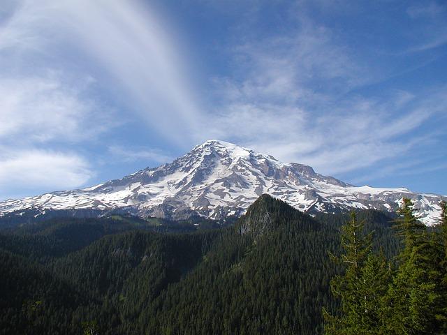 Mt. Rainier in the Cascade Mountains of Washington