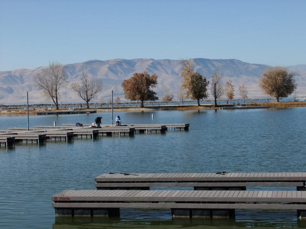 Mountain lake landscape in Utah State Park in Provo