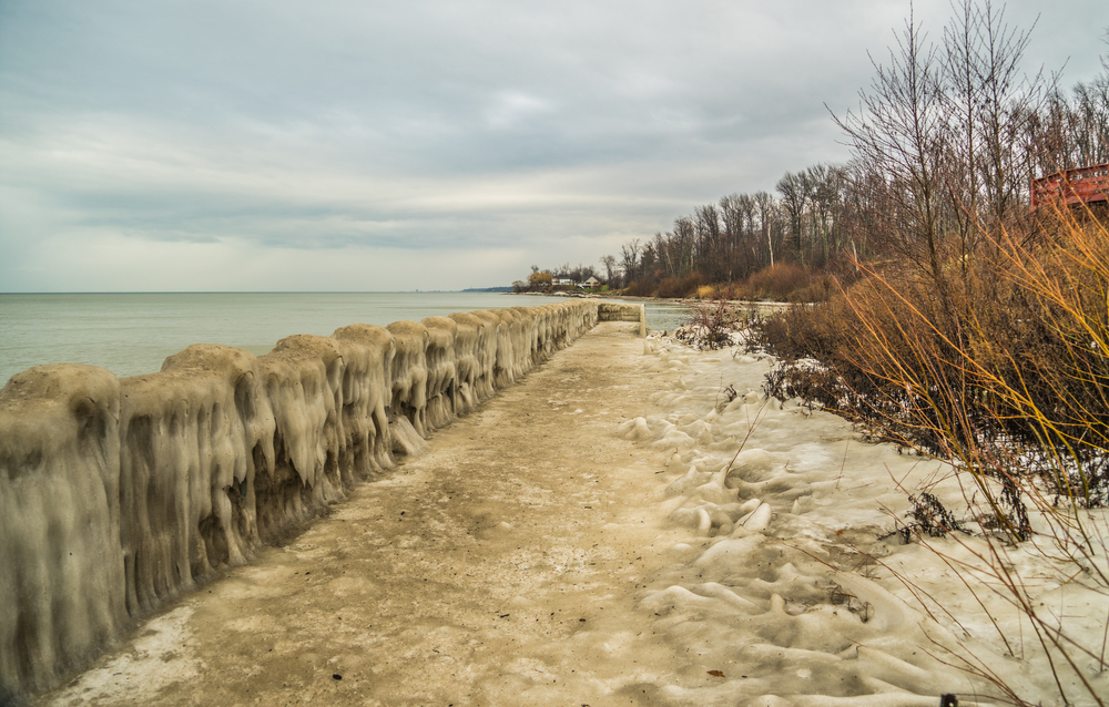 Geneva On The Lake, Ohio/USA - December 26, 2016: Lake Side Boardwalk Covered In Solid Ice Along Park's Edge.