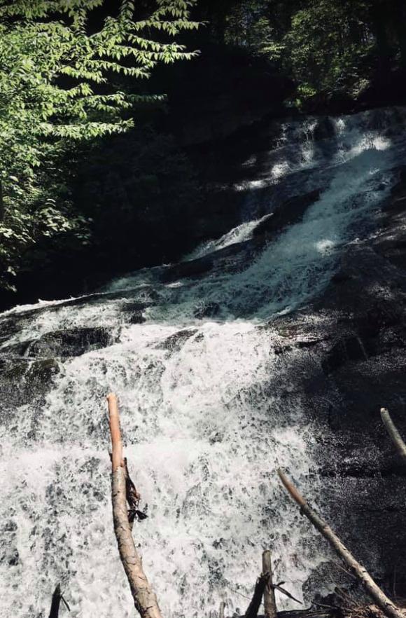 Dean's Ravine Falls, Connecticut
