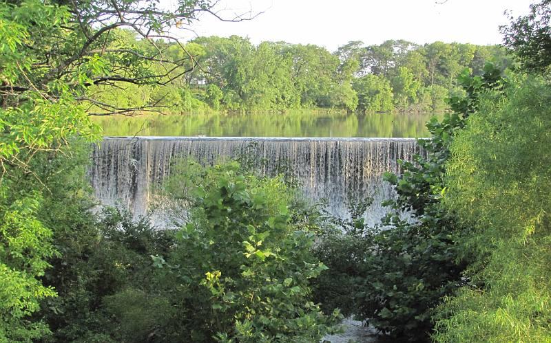 Santa Fe Lake Falls