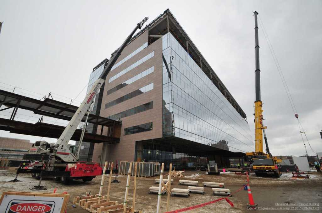 Steel-Cleveland-Clinic-Cancer-Building (2)