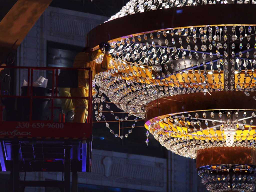 Steel-Playhouse-Square-Signage-Chandelier (8)