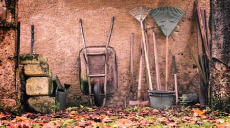 Prevent garden tool rust