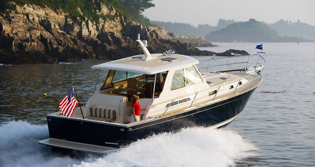 42HT 1024x544 specifications for the sabre 42 hard top express motor yacht built