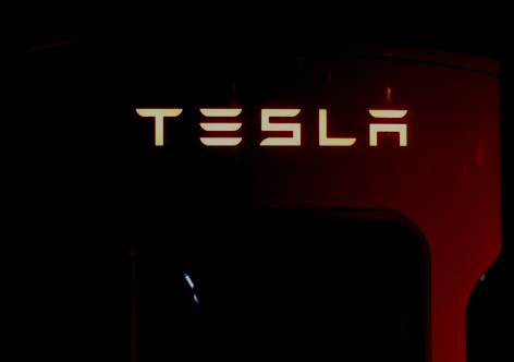 Tesla faces lawsuit after Man dies in Car accident while Autopilot was enabled