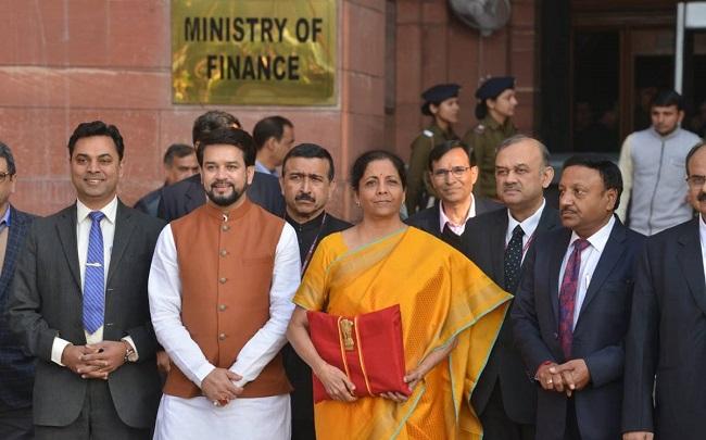 Budget 2020: 'मोबाइल फोन के विनिर्माण का दूसरा सबसे बड़ा केंद्र बना भारत', ग्रामीण युवाओं के लिए 'सागर मित्र'
