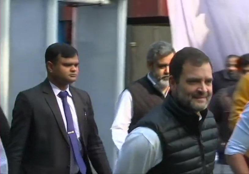 बिहार चुनाव में कांग्रेस की दुर्गति से पार्टी में उठने लगे बगावती सुर, राहुल गांधी के नेतृत्व पर फिर उठे सवाल
