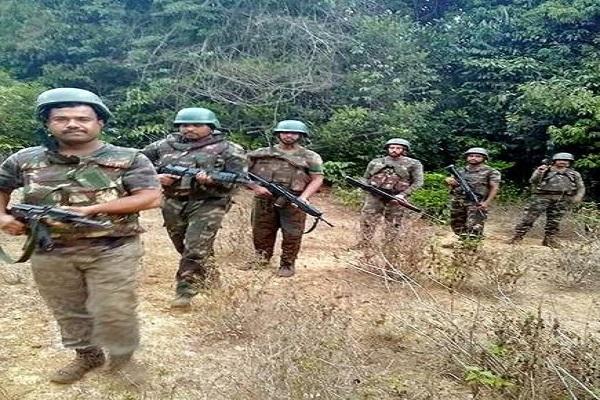 महाराष्ट्र: बड़ी योजना बना रहे थे नक्सली, पुलिस ने एक को मार गिराया