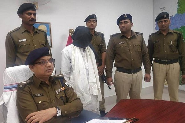 बिहार: संगठन में करता था भर्तियां, कई हिंसक वारदातों को अंजाम देने वाले नक्सली ने किया आत्मसमर्पण