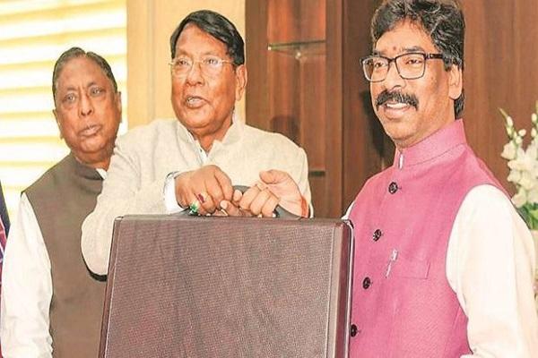 Jharkhand Budget 2020: प्रदेश को नक्सलवाद से मुक्त करने पर है सरकार का विशेष ध्यान, पढें बजट में क्या है खास