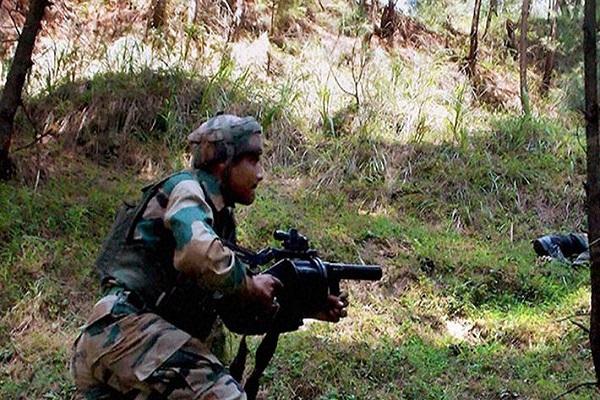 जम्मू कश्मीर: त्राल में सुरक्षाबलों से मुठभेड़ में एक आतंकी ढेर, सर्च ऑपरेशन जारी