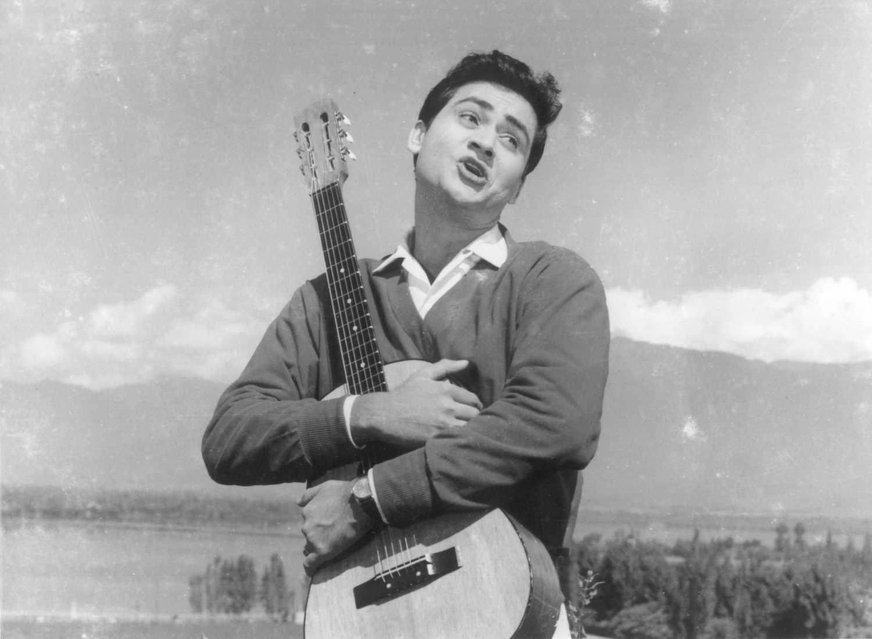 बॉलीवुड के सबसे हैंडसम नायकों में से एक थे जॉय मुखर्जी