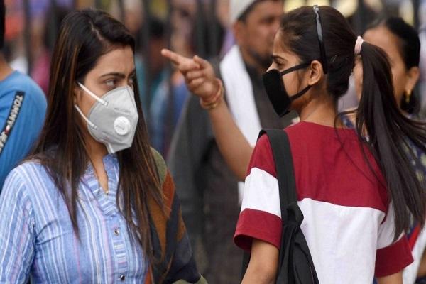 Coronavirus: भारत में बीते 24 घंटे में आए कोरोना के 15,968 नए केस, दिल्ली में 16 मरीजों की मौत