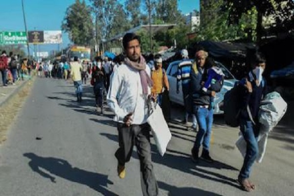 COVID-19: फंसे हुए प्रवासी लोगों के लिए यूपी सरकार का फैसला, हर दो घंटे में चलेंगी बसें